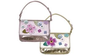 お花モチーフのバッグ