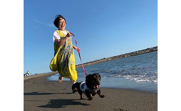犬と人のハーブセラピストの猪野麻美子